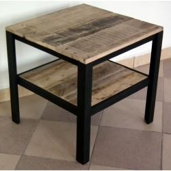 Stolik kawowy drewniany z półką